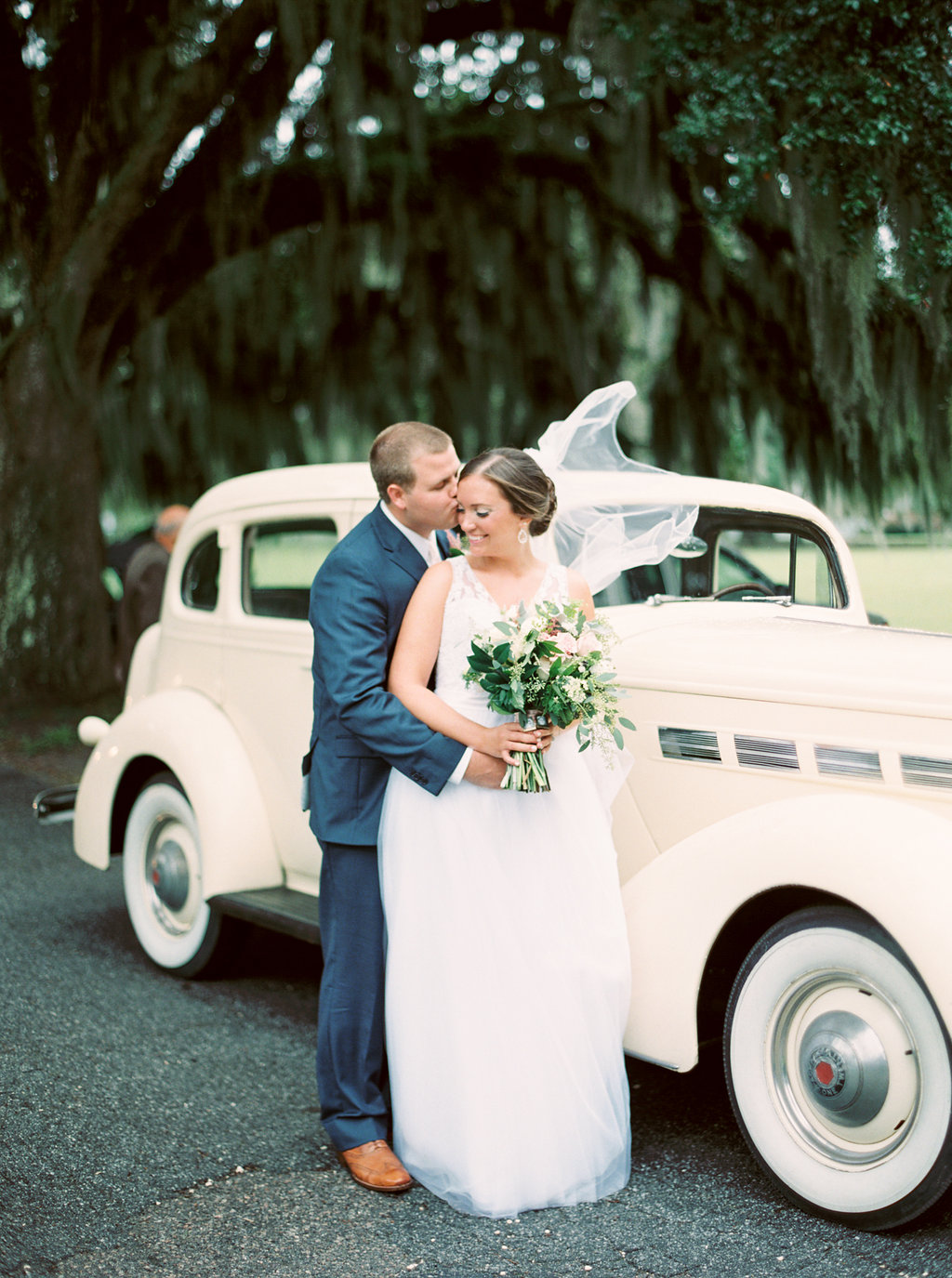 the-happy-bloom-photography-ivory-and-beau-wedding-planning-ivory-and-beau-bridal-boutique-whitfield-chapel-wedding-10-downing-wedding-savannah-wedding-historic-savannah-wedding-savannah-wedding-planner-savannah-weddings-a-to-zinnias-41.jpg