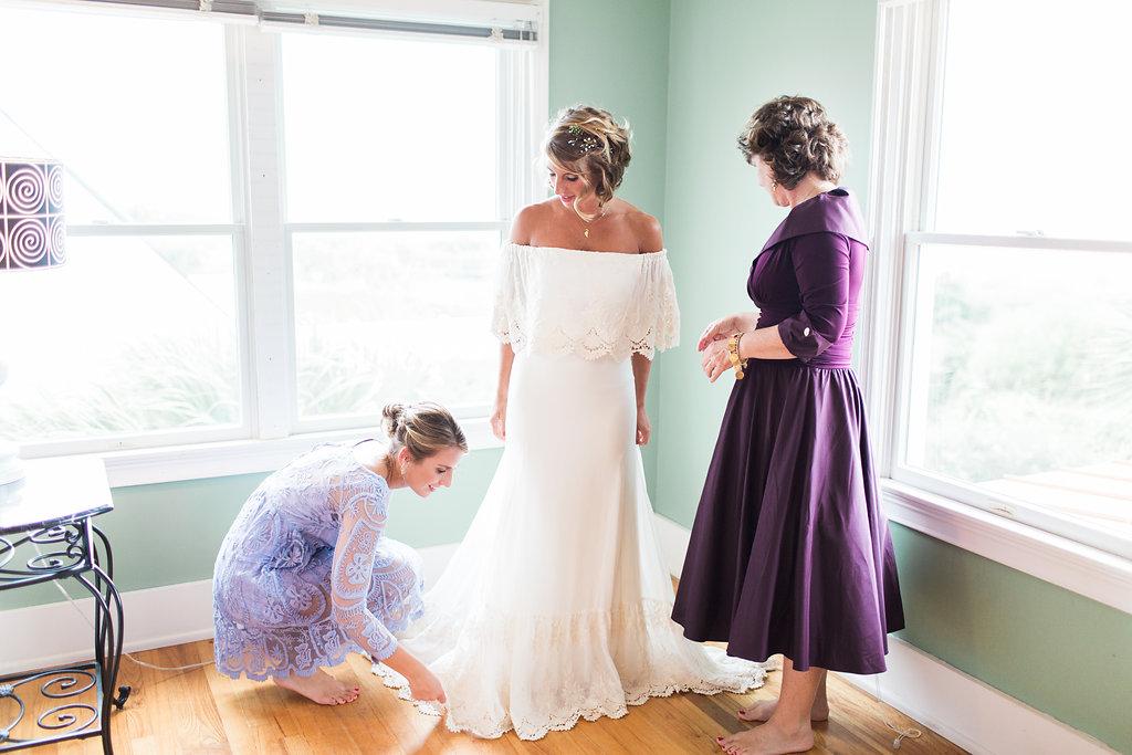 stacey-and-tj-wedding-apartment-b-photography-ivory-and-beau-bridal-boutique-savannah-wedding-dresses-daughters-of-simone-lu-boho-bride-boho-wedding-savannah-boho-wedding-savannah-weddings-savannah-bridal-gowns-savannah-wedding-10.jpg