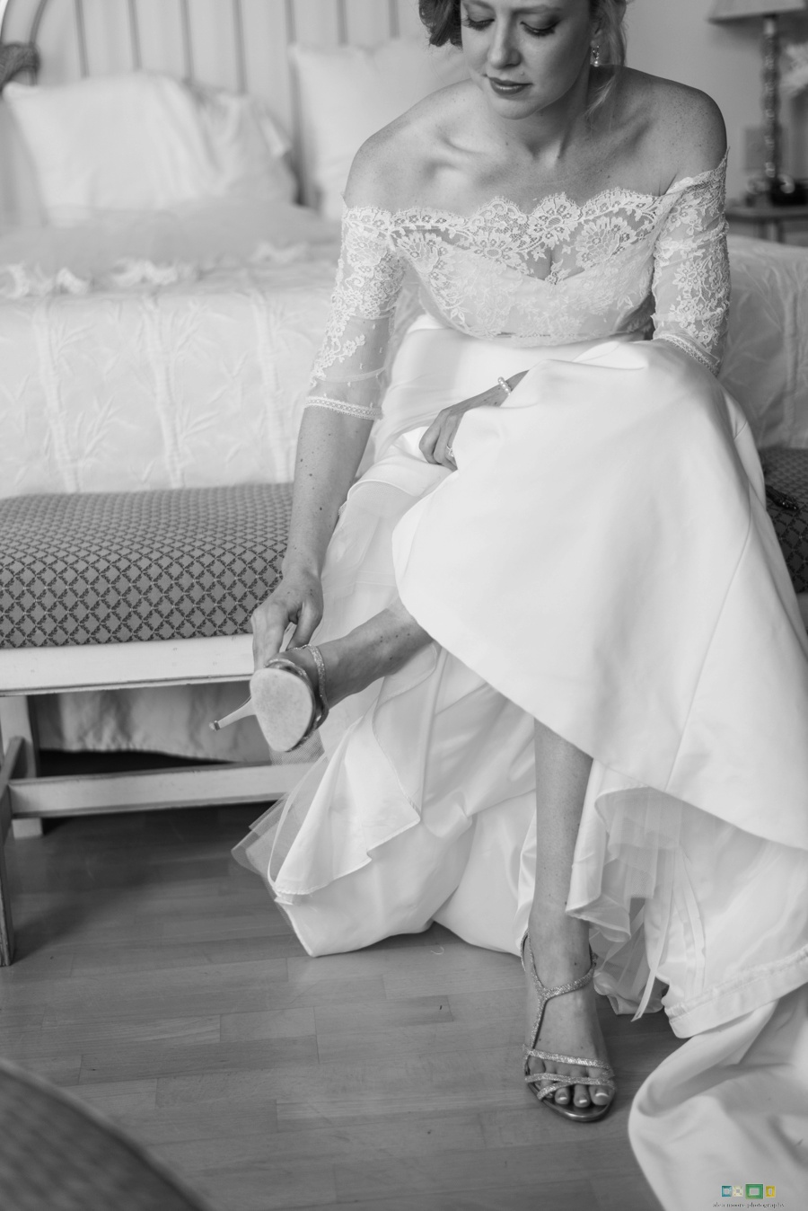 alea-moore-photography-Daufuskie-Island-wedding-ivory-and-beau-bridal-boutique-dakota-nicole-miller-rebecca-schoneveld-marisol-classic-southern-wedding-savannah-wedding-dresses-savannah-bridal-boutique-savannah-weddings-savannah-bridal-gowns-2.jpg