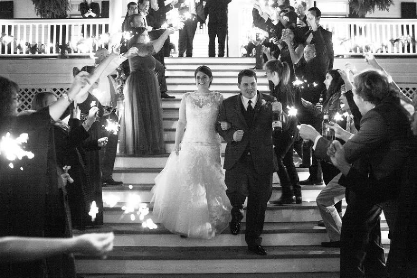 Savannah-Wedding-Portrait-Photographer-Jenna-Davis-Photography-www.jenna-davis.com_0066-900x600(pp_w856_h570).jpg