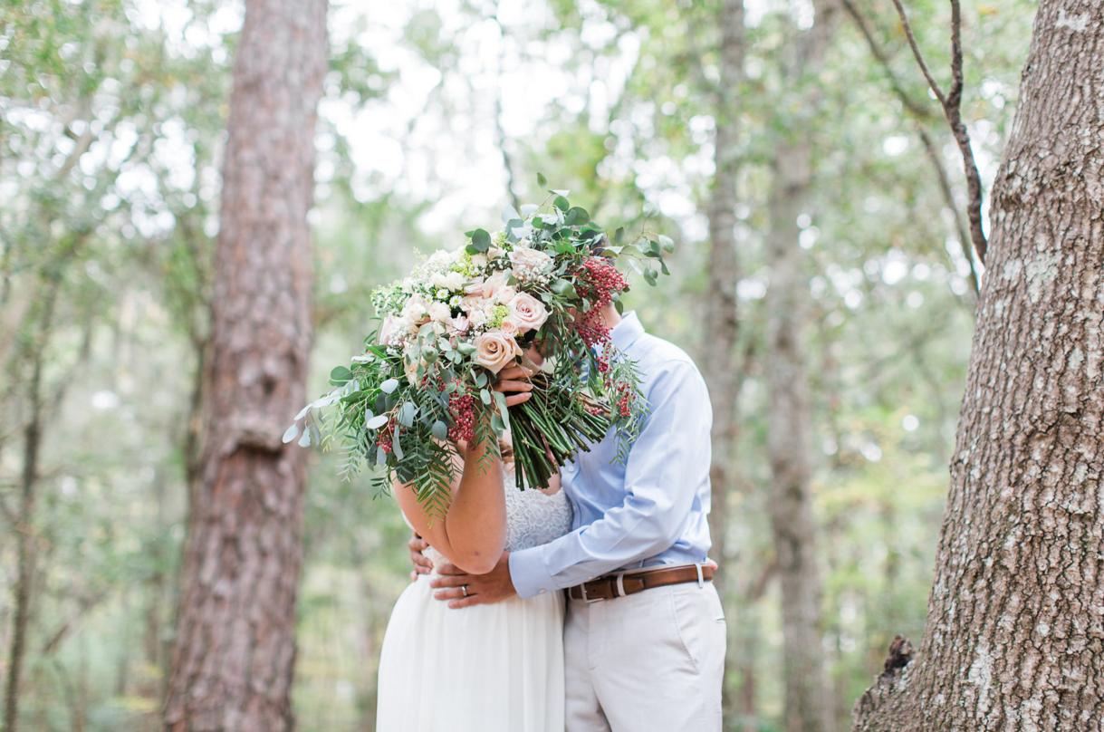 large-bouquet-bridal-bouquet-ivory-and-beau-savannah-wedding-flowers-savannah-wedding-florist-savannah-wedding-planner-event-designer-huge-bridal-bouquet.png