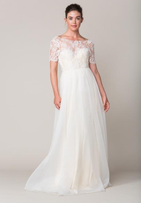 sarah-seven-buchanan-dress-beaded-lace-wedding-dress-flowy-wedding-dress-ivory-and-beau-savannah-bridal-boutique-savannah-wedding-dresses-whitney-port-wedding-style-steal-her-look-green-wedding-shoes-savannah-wedding-planner.jpg