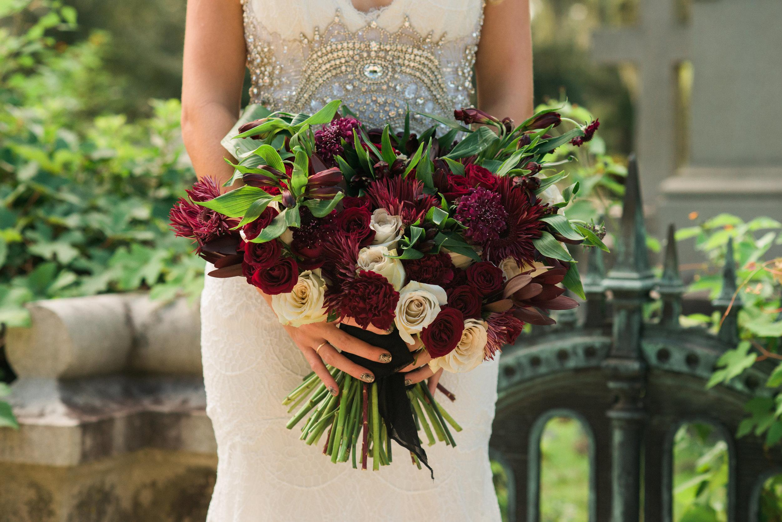 callie-beale-photography-Bonaventure-cemetery-michelle-royal-makeup-cemetery-wedding-ivory-and-beau-wedding-planning-anna-campbell-harper-savannah-bridal-boutique-savannah-wedding-dresses-savannah-weddings-9.jpg
