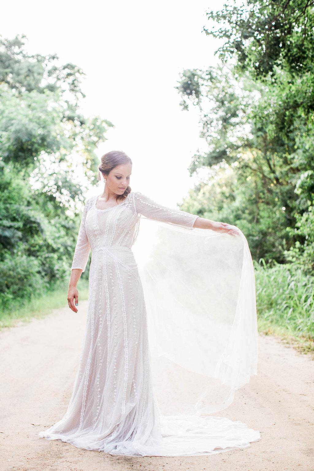 apt-b-photography-ivory-and-beau-bridal-boutique-anna-campbell-isobelle-australian-wedding-the-collins-quarter-savannah-wedding-savannah-weddings-savannah-florist-savannah-bridal-savannah-event-designer-savannah-wedding-dresses-outback-wedding-25.jpg