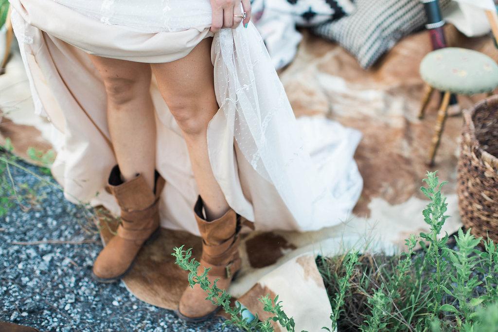 apt-b-photography-ivory-and-beau-bridal-boutique-anna-campbell-isobelle-australian-wedding-the-collins-quarter-savannah-wedding-savannah-weddings-savannah-florist-savannah-bridal-savannah-event-designer-savannah-wedding-dresses-outback-wedding-37.jpg