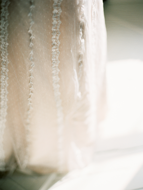 vitor-lindo-photography-ivory-and-beau-bridal-boutique-ti-adora-wedding-dress-boho-wedding-dress-savannah-bridal-boutique-savannah-weddings-savannah-wedding-dresses-savannah-wedding-planner-colonial-house-of-flowers-15.jpg