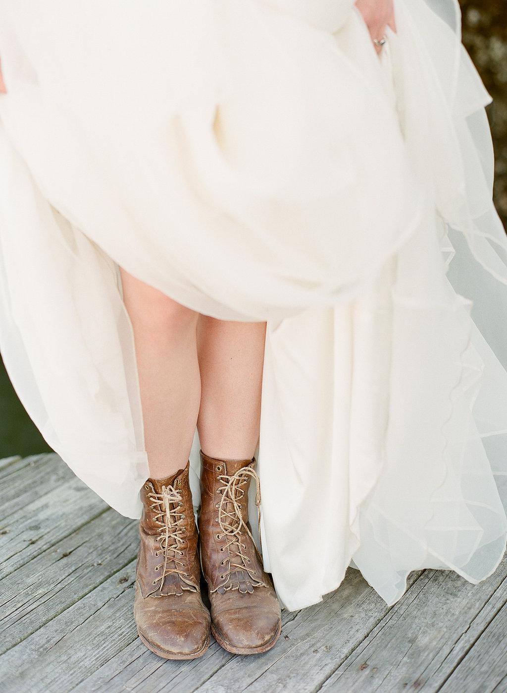 the-wyld-dock-bar-wedding-ivory-and-beau-savannah-wedding-planner-savannah-event-designer-savannah-wedding-florist-sarah-seven-worthington-savannah-georgia-bridal-shop.jpg