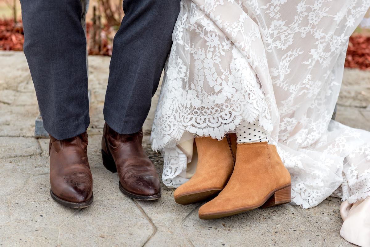amanda-berk-photography-asheville-wedding-mountain-wedding-winery-wedding-ti-adora-wedding-dress-southern-wedding-destination-wedding-mountain-elopement-savannah-bridal-boutique-ivory-and-beau-bridal-boutique-savannah-weddings-12.jpg