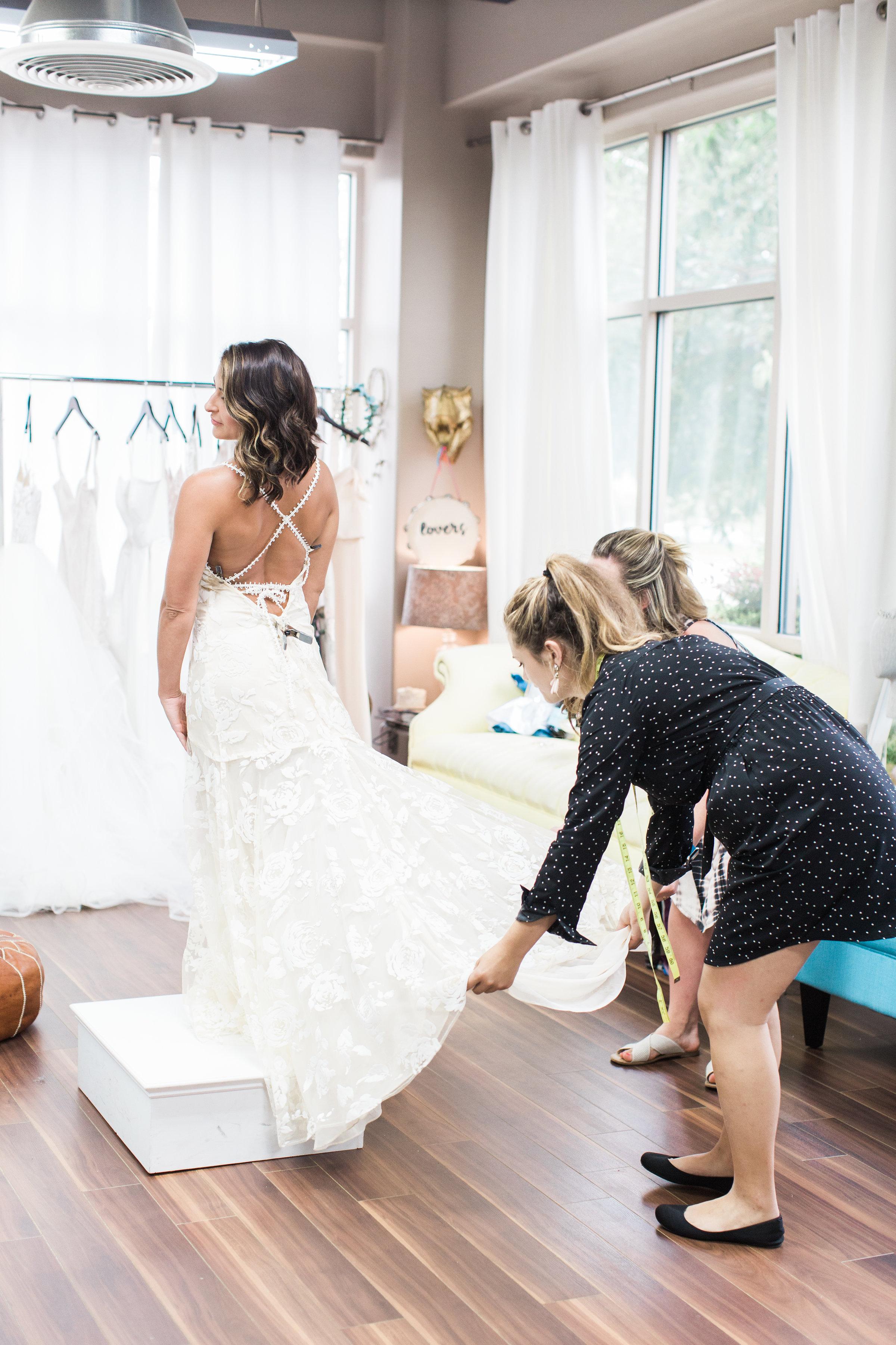 savannah-bridal-boutique-ivory-and-beau-savannah-bride-savannah-bridal-shop-wedding-dress-savannah-weddings-wedding-dress-savannah-aptbphotography-aptbphoto-veils-tiaras-bridal-jewelery-bridesmaids-dresses-bridesmaids-gowns-savannah-bridesmaids.jpg-30.jpg