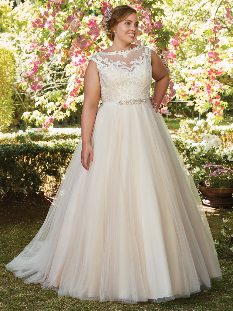 Rebecca-Ingram-Wedding-Dress-Carrie-Plus-ivory-and-beau-bridal-boutique-savannah-bridal-savannah-wedding-gowns.jpg