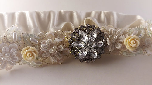 couffia-couture-garter-savannah-designer-savannah-bridal-boutique-ivory-and-beau-savannah-brides-savannah-bridal-accessories-garters-custom-designed-meant-to-be.jpg