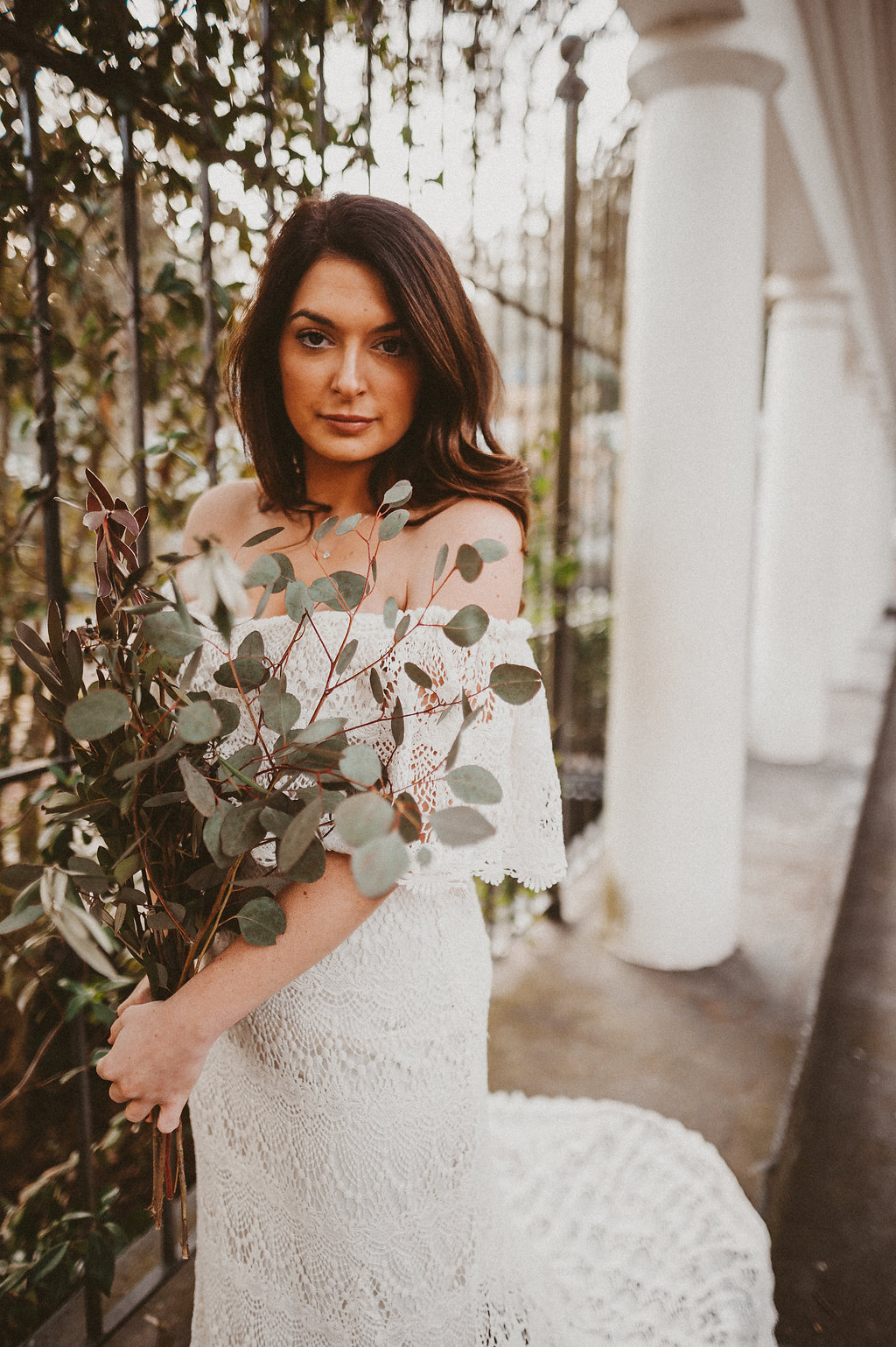 ivory-and-beau-bridal-boutique-savannah-2018-wedding-trends-daughters-of-simone-l+m-photography-savannah-photography-trendy-wedding-1.jpg