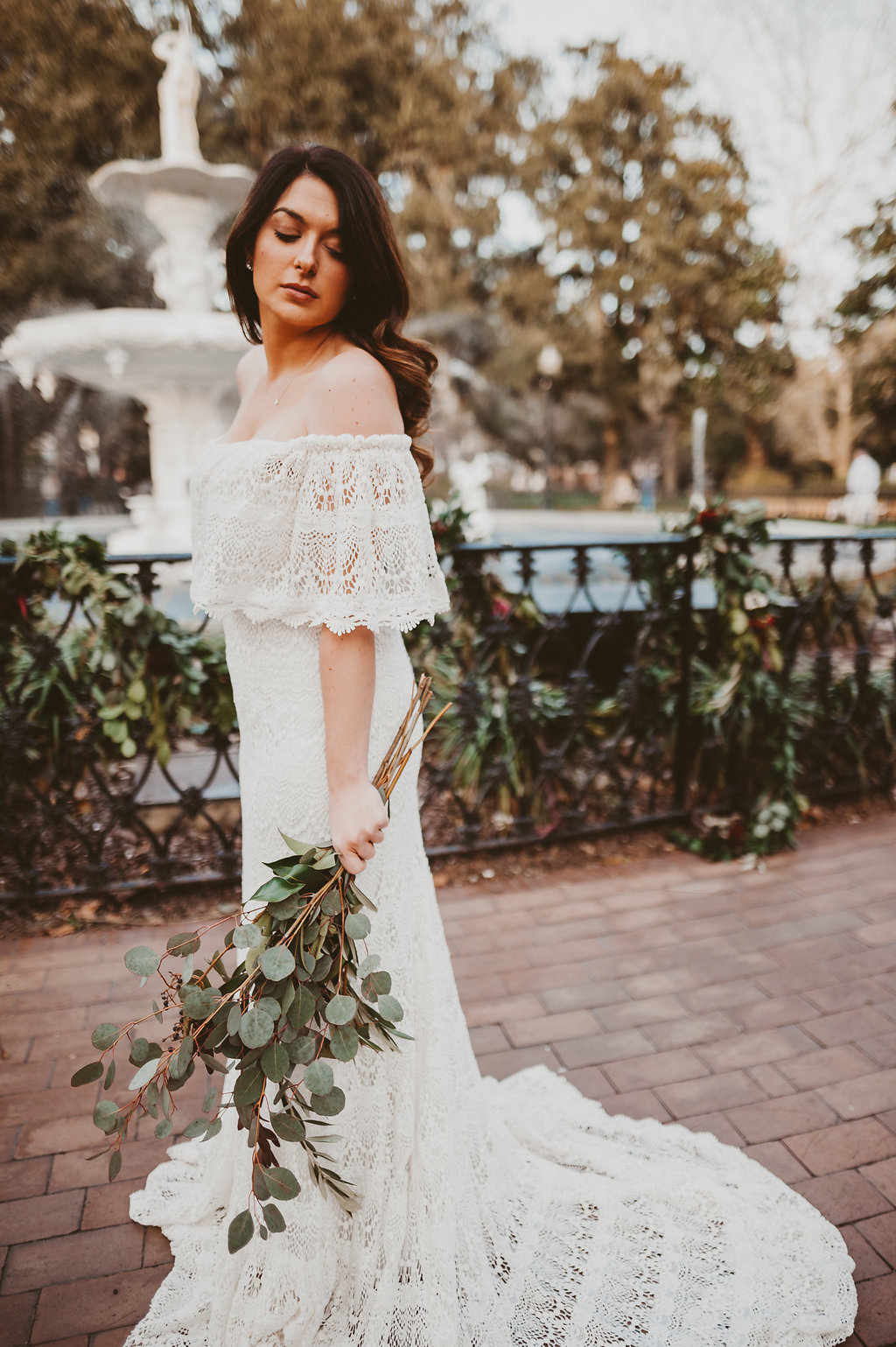 ivory-and-beau-bridal-boutique-savannah-2018-wedding-trends-daughters-of-simone-l+m-photography-savannah-photography-trendy-wedding-6.jpg