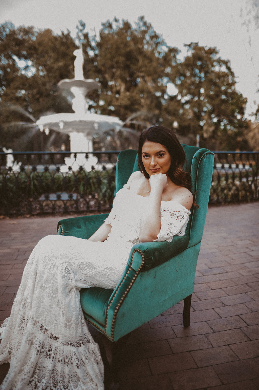 ivory-and-beau-bridal-boutique-savannah-2018-wedding-trends-daughters-of-simone-l+m-photography-savannah-photography-trendy-wedding-7.jpg