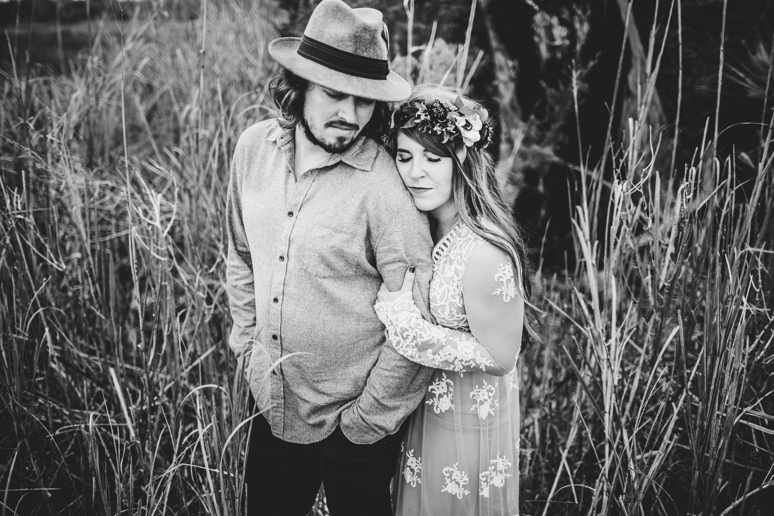 nicole-and-alex-engagement-session-ivory-and-beau-savannah-wedding-planner-savannah-event-designer-mason-matrimony-2018-savannah-weddings-florist-engagement-ivory-and-beau.jpg
