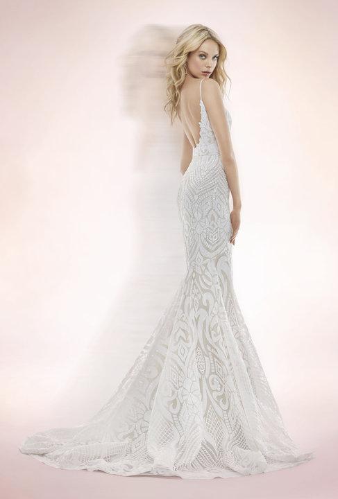 ivory-and-beau-bridal-boutique-zodiac-wedding-style-savannah-wedding-gowns-savannah-wedding-dresses-earnest-loans-10.jpg