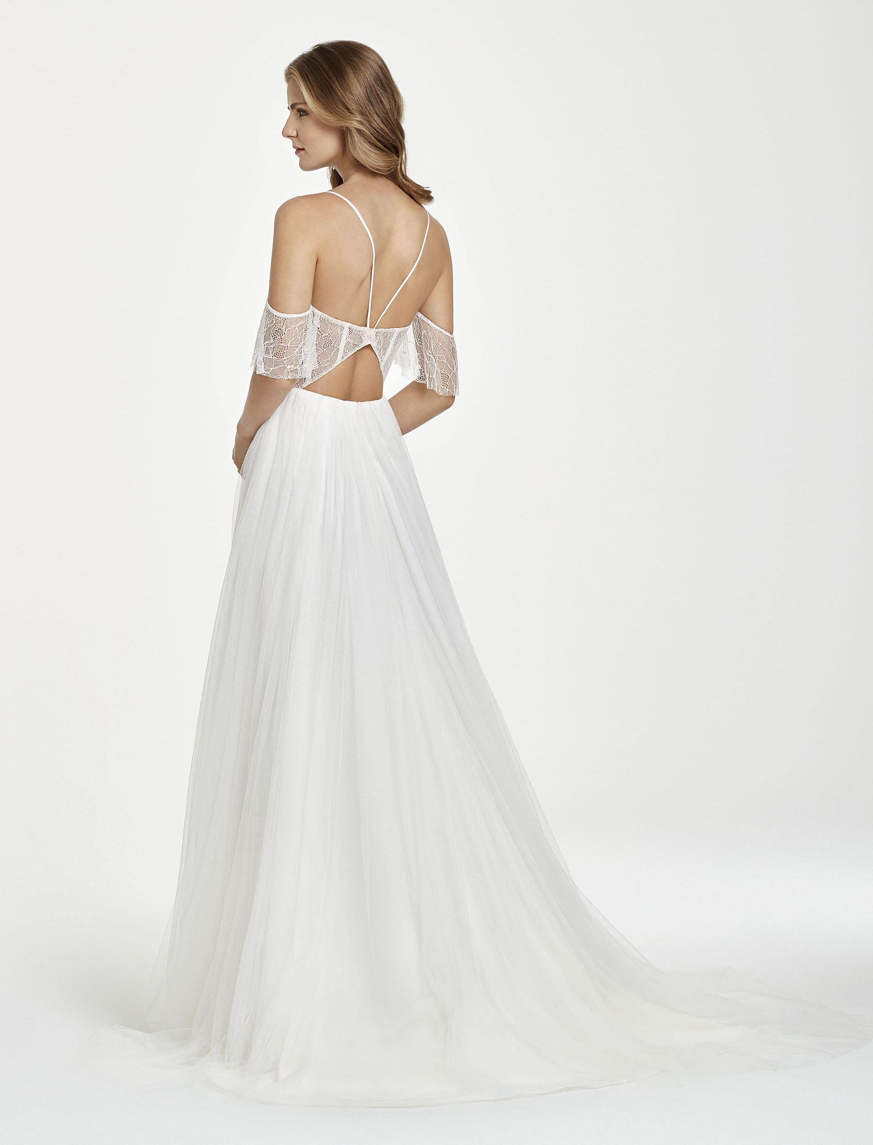 ivory-and-beau-bridal-boutique-zodiac-wedding-style-savannah-wedding-gowns-savannah-wedding-dresses-earnest-loans-12.jpg