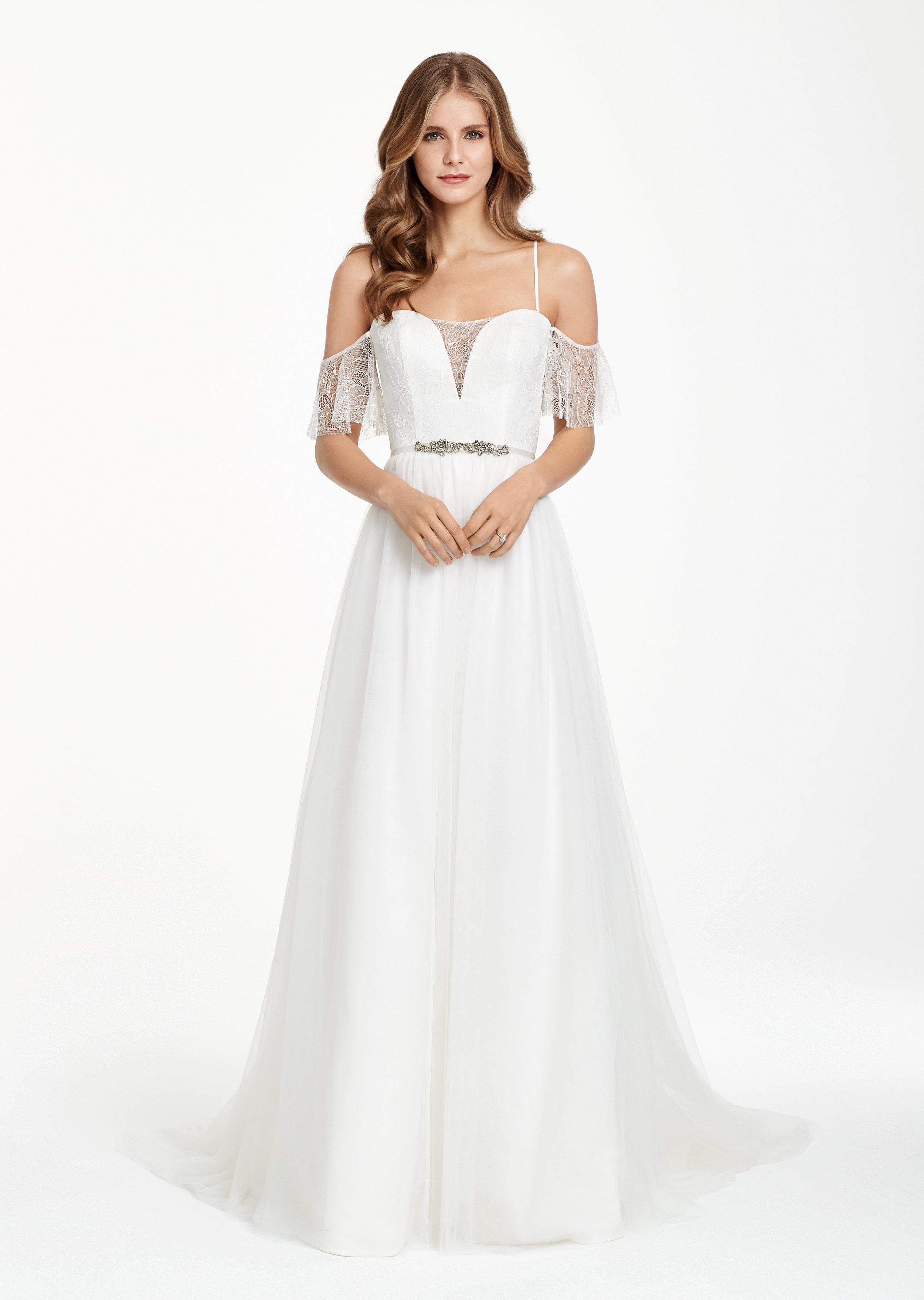 ivory-and-beau-bridal-boutique-zodiac-wedding-style-savannah-wedding-gowns-savannah-wedding-dresses-earnest-loans-11.jpg