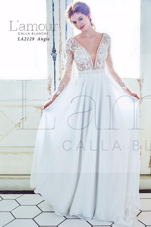 ivory-and-beau-bridal-boutique-zodiac-wedding-style-savannah-wedding-gowns-savannah-wedding-dresses-earnest-loans-16.jpg