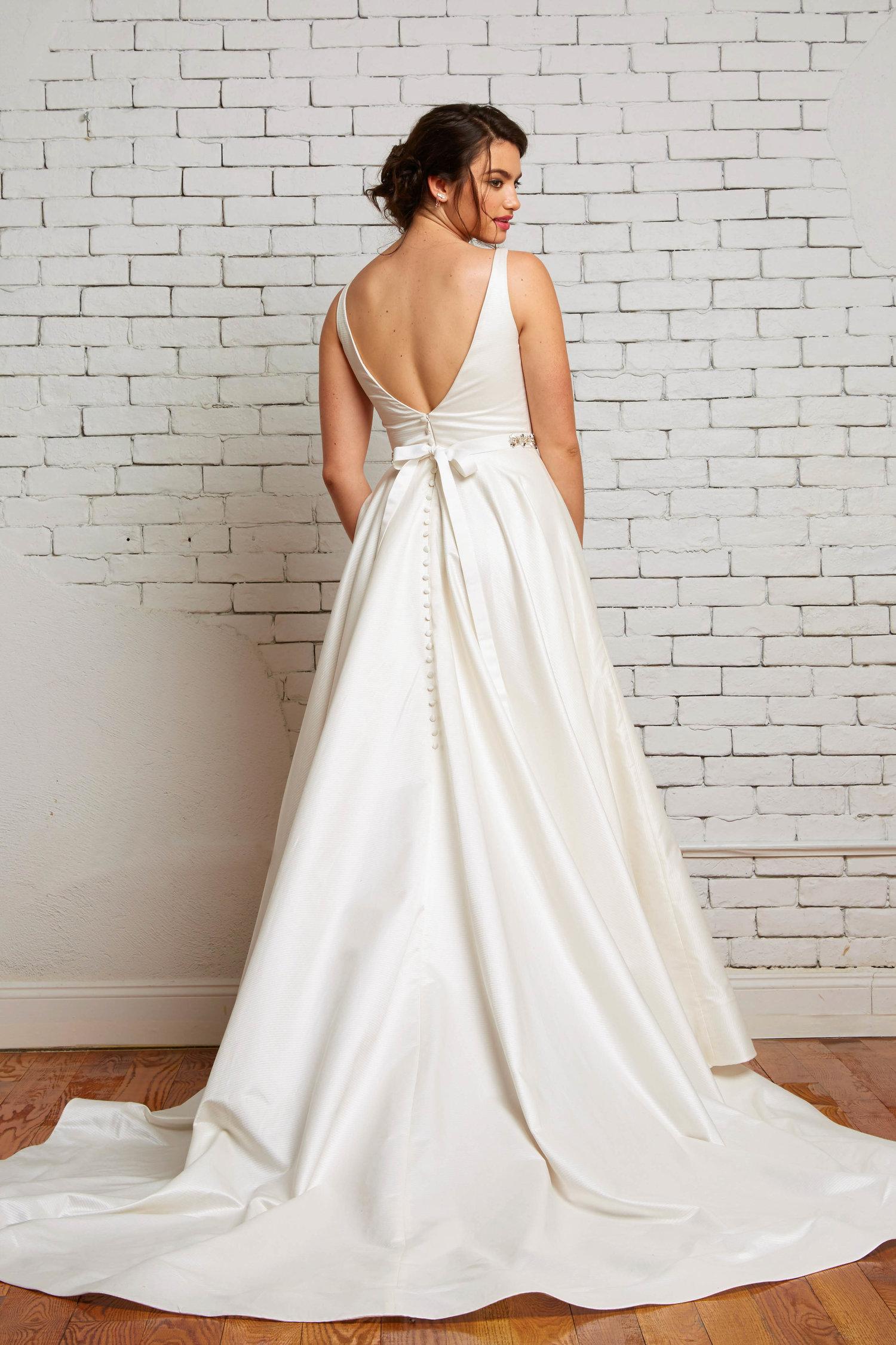 ivory-and-beau-bridal-boutique-zodiac-wedding-style-savannah-wedding-gowns-savannah-wedding-dresses-earnest-loans-18.jpg