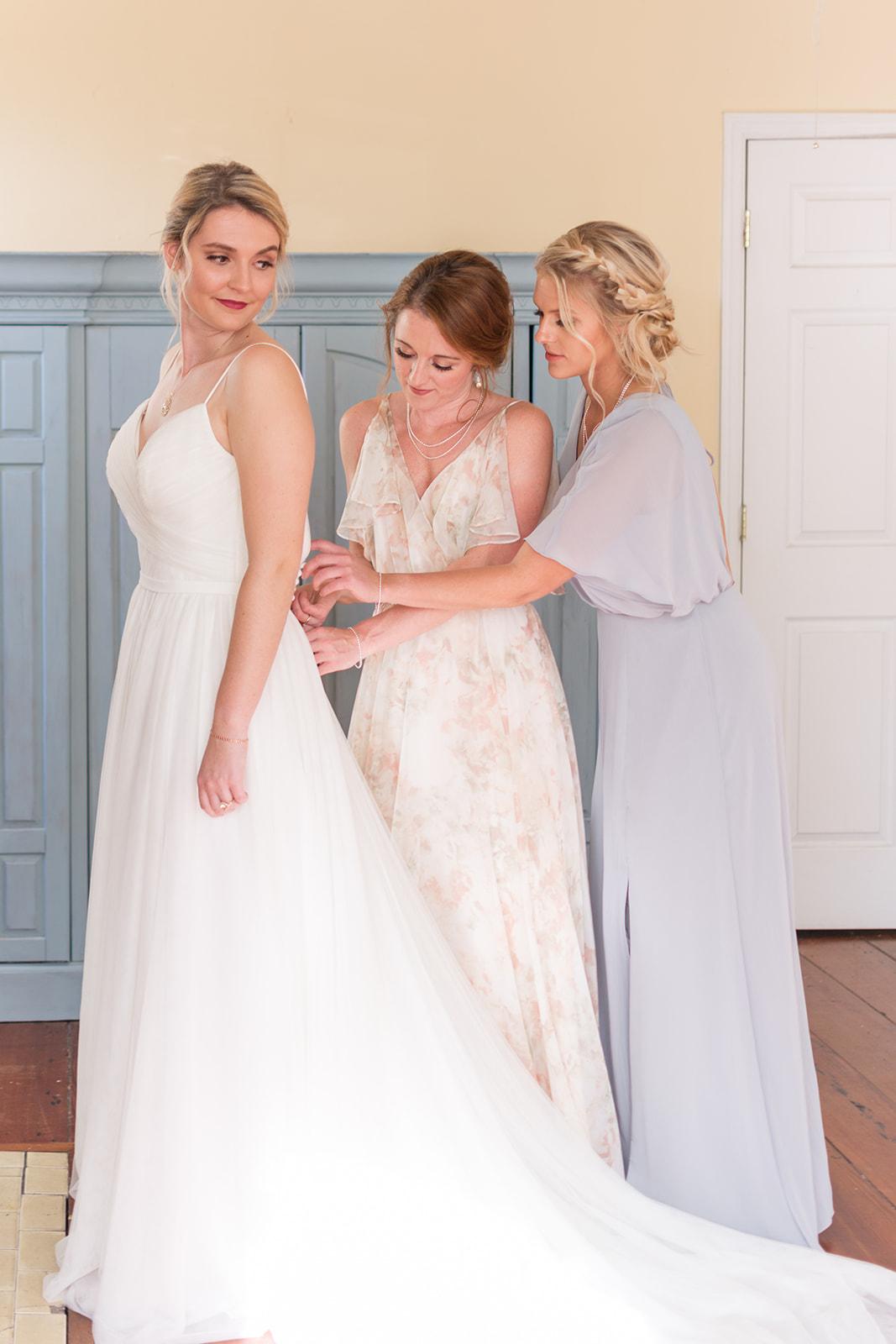 savannah-bridal-shop-ivory-and-beau-savannah-wedding-dresses-rebecca-ingram-wedding-dress-jenny-yoo-floral-print-bridesmaid-dress-charleston-styled-shoot-health-coach-how-to-lose-weight-healthily-as-a-bride.jpg