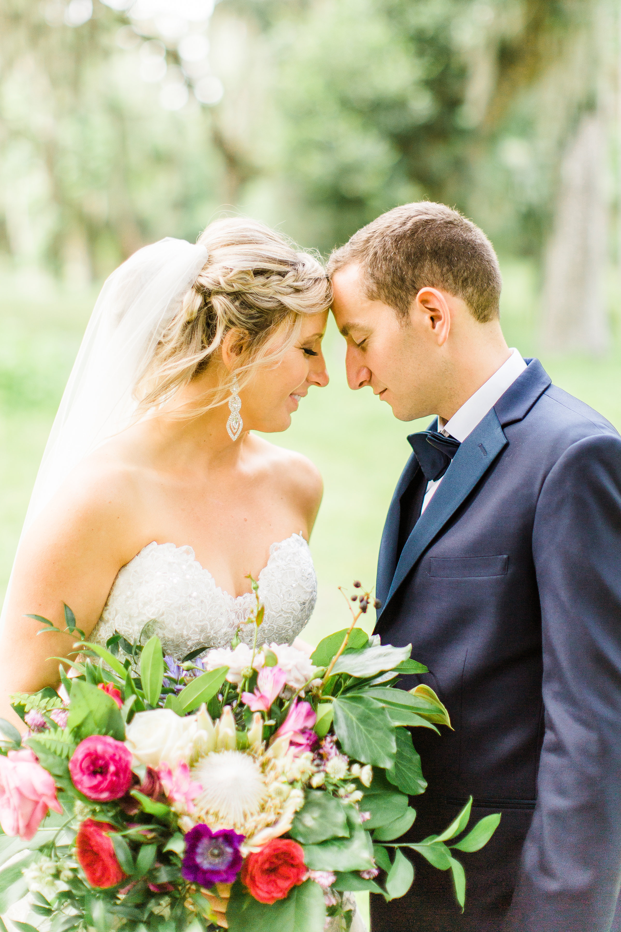 savannah-bridal-shop-i-and-b-couple-gretchen-and-alex-fun-and-unique-tropical-wedding-at-captains-bluff-st-simons-island-wedding-marianne-lucille-photography-11.jpg