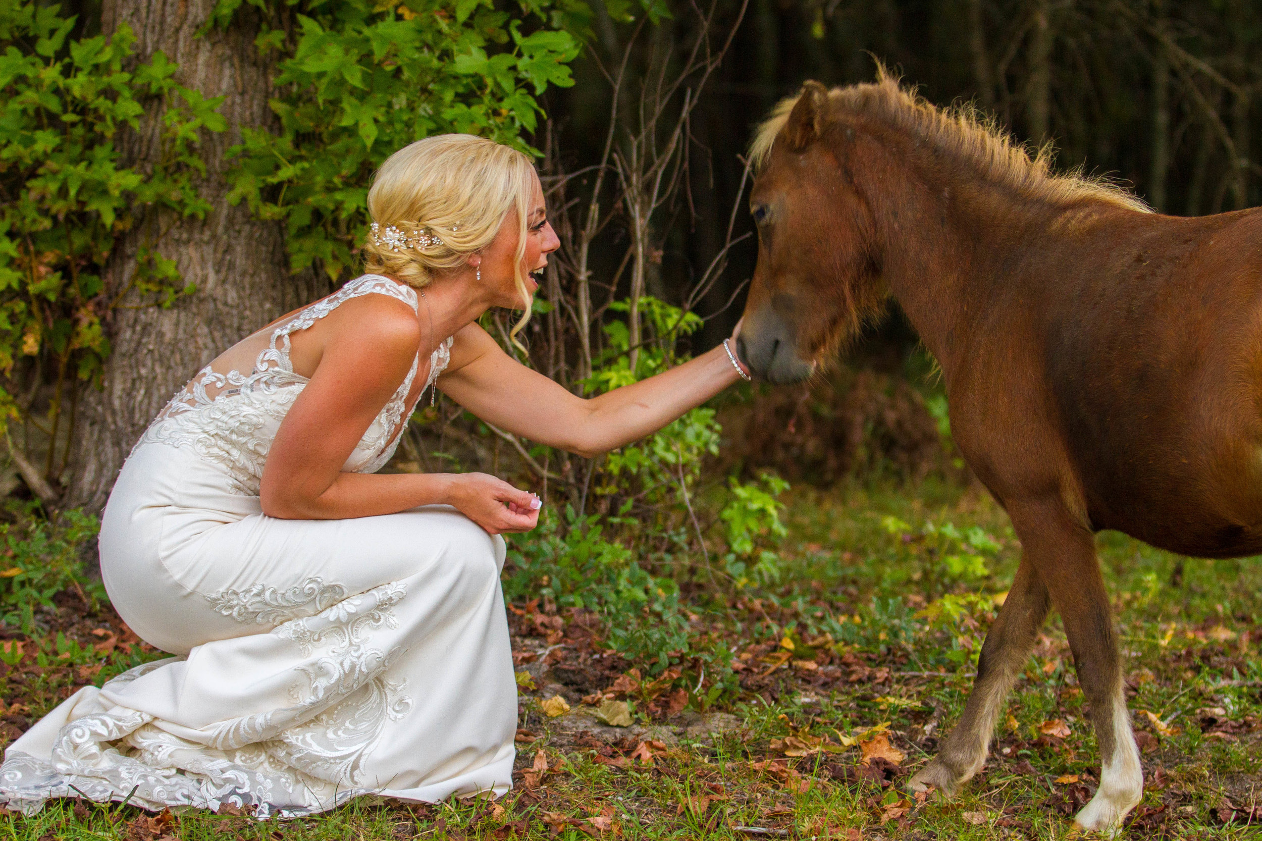 KAYLIE'S INTIMATE, FAMILY-ORIENTED WEDDING IN ELLABELL