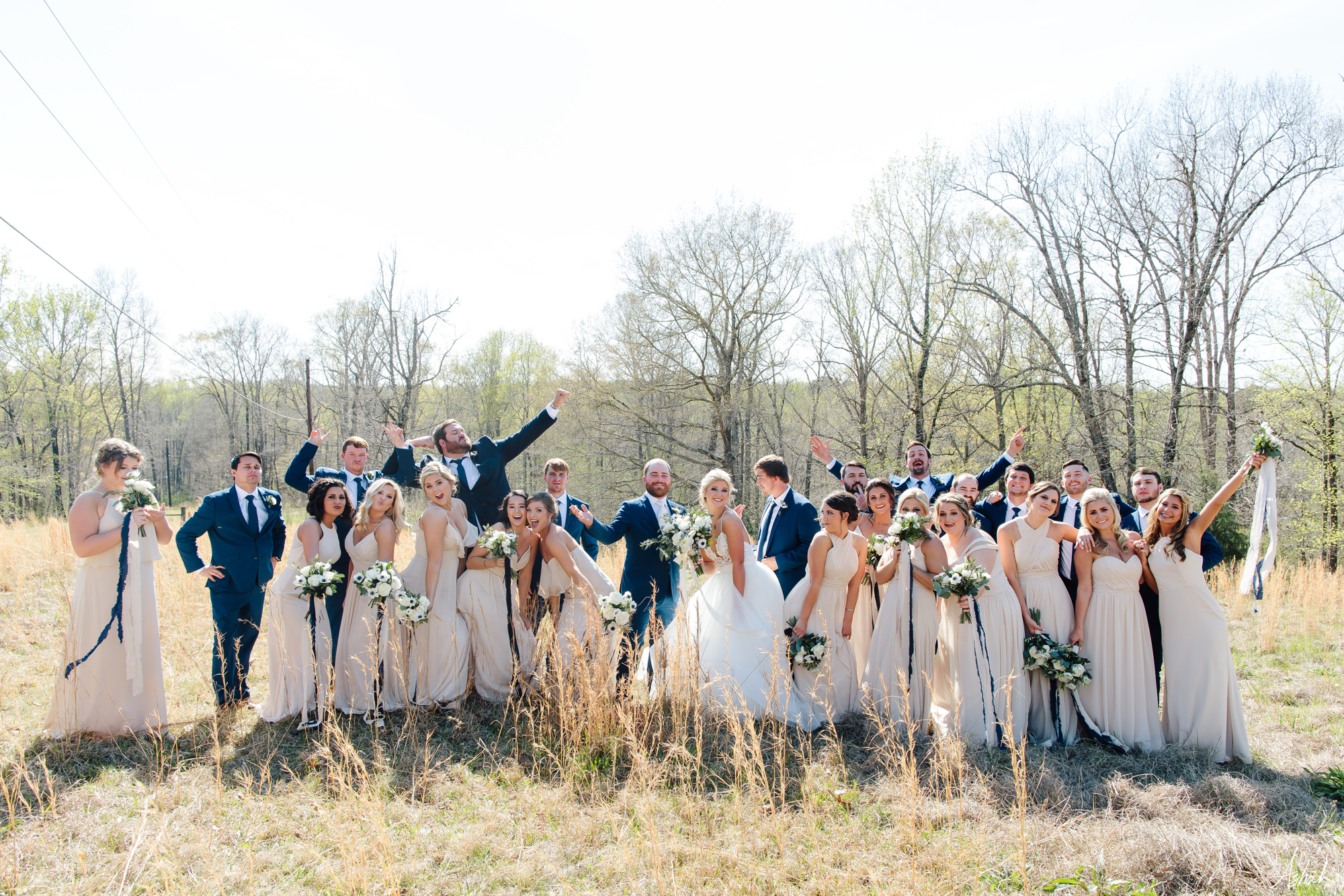Wil & Makayla had a huge bridal party, which made pictures so incredibly fun!! We love the colors they used, and that Makayla chose neutrals for her bridal party.