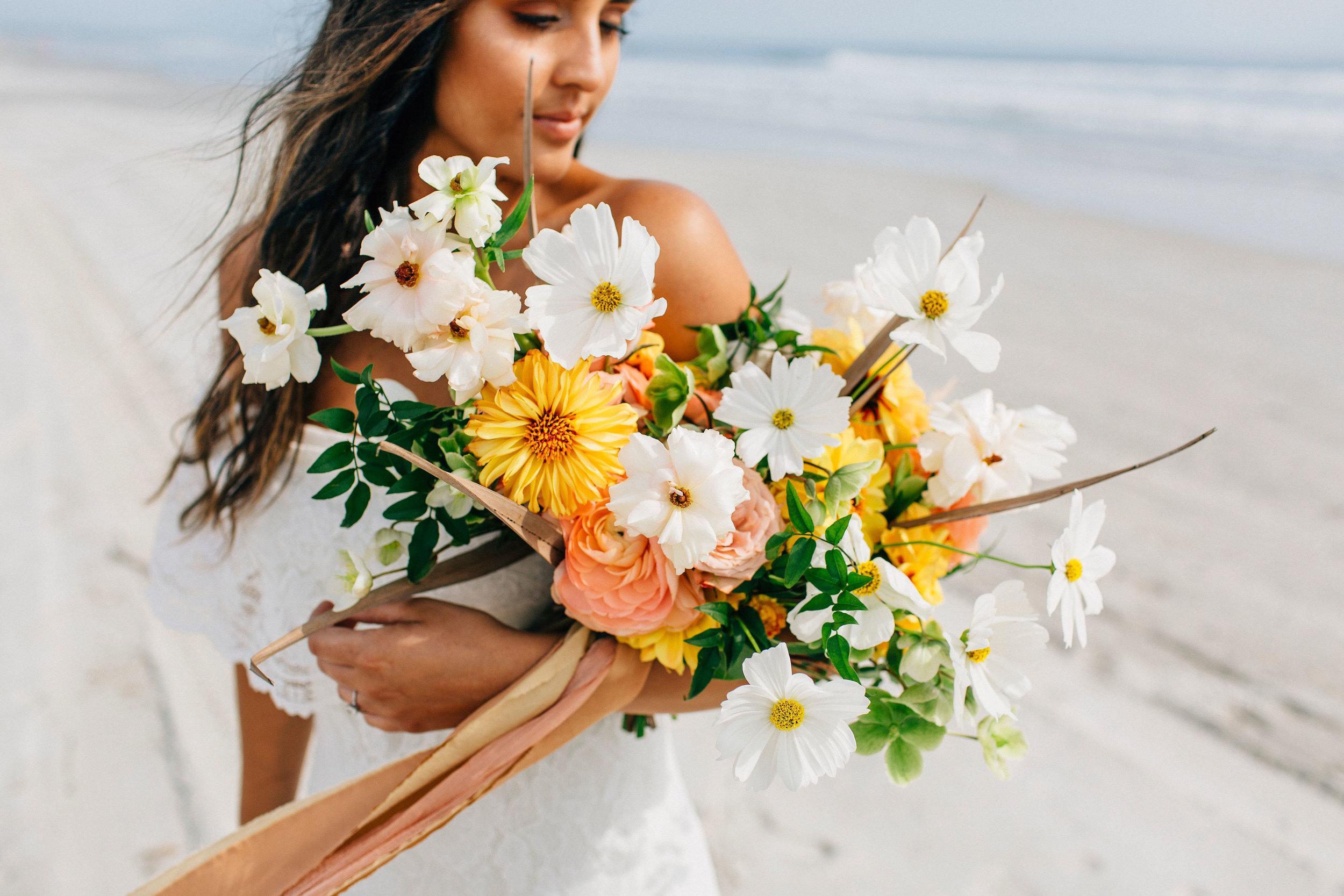 beachflowers-beachweddingflowers-savannahbride-bohowedding-bohobeachwedding-colorfulflowers1.jpg