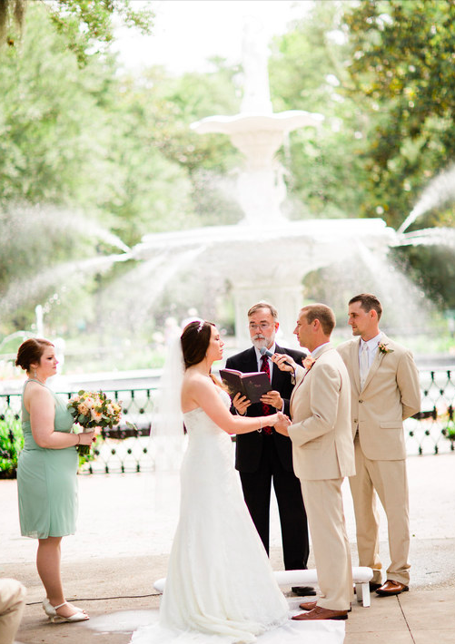 The iconic Forsyth fountain is absolutely perfect for ceremony shots. let's just say that this breathtaking fountain compliments the bride seamlessly.