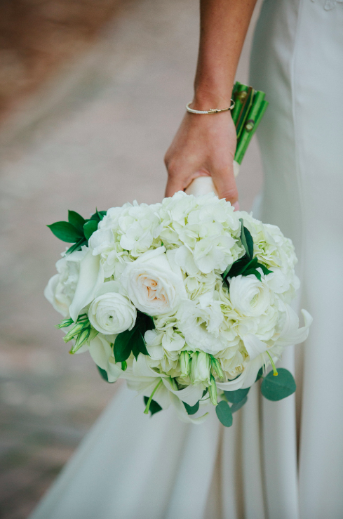 savannah-georgia-wedding-chiq-modern-wedding-day-inspiration-southern-wedding-meets-modern-modern-wedding-day-inspiration-new-york-style-wedding-day-clean-wedding-inspiration-classic-elegant-wedding-day-flowers-classic-wedding-pictures-organic-wedding-inspiration-savannah-wedding-planner-savannah-wedding-florist