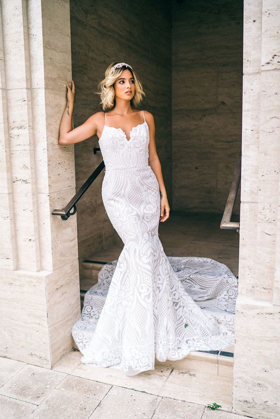 west-blush-by-hayley-paige-ivory-and-beau-savannah-wedding-dresses-savannah-bridal-shop-savannah-wedding-dress-sample-sale-discontinued-designer-gowns-affordable-wedding-dresses-bridal-dresses-sample-sale.jpg