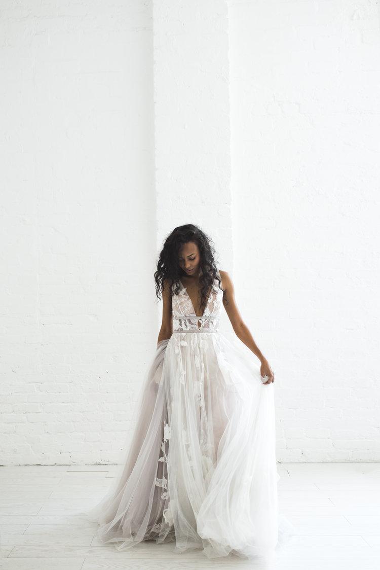 ivory-and-beau-savannah-weddings-bridal-boutique-AANDBESTYLEBOOK_V9_ASOL0056.jpg