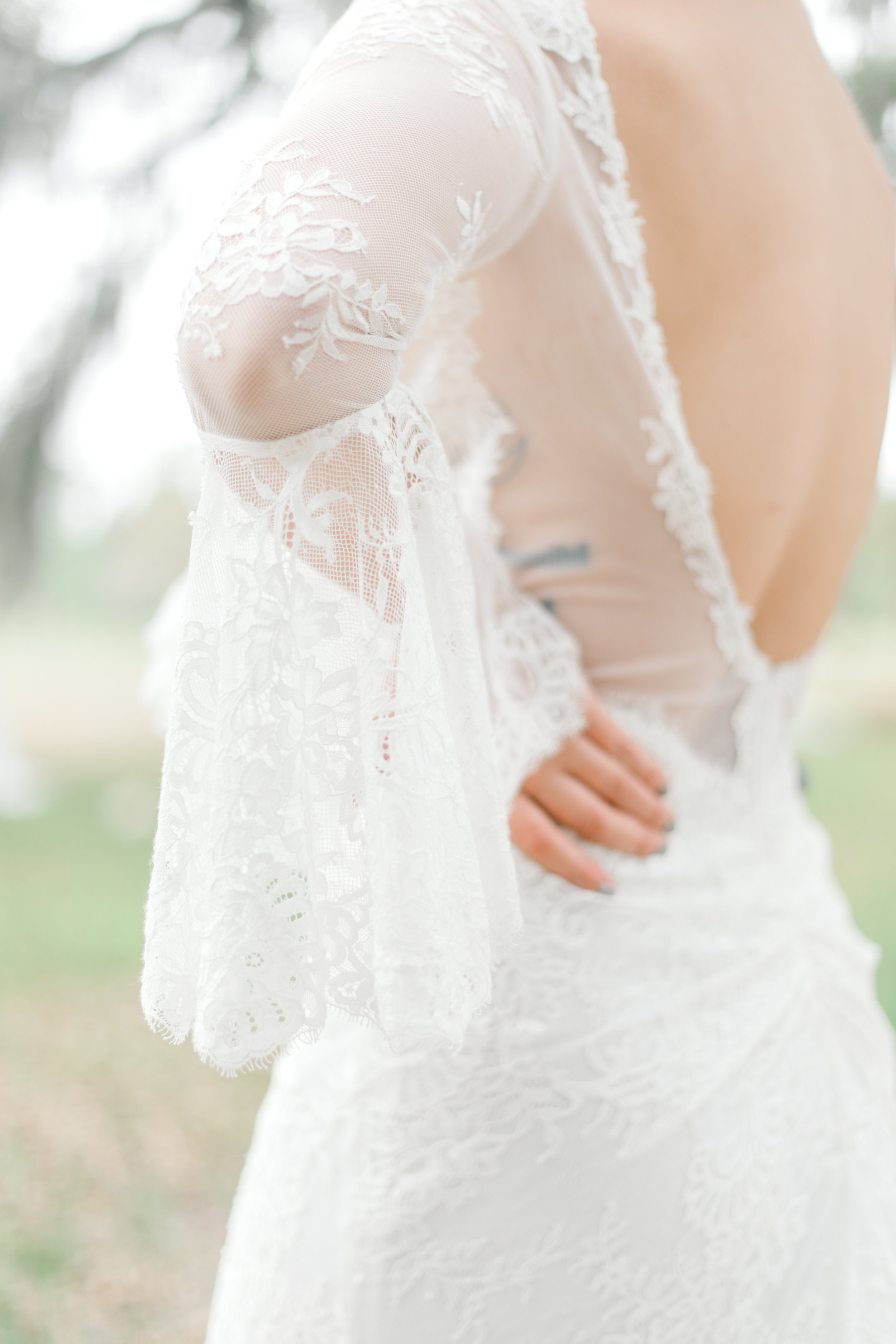 lamour-by-calla-blanche-amber-wedding-dress-long-sleeve-wedding-dress-wormsloe-wedding-inspiration-wormsloe-historic-site-wormsloe-elopement-savannah-wedding-dresses-savannah-elopements-Selyciayangphotograpy-56.jpg