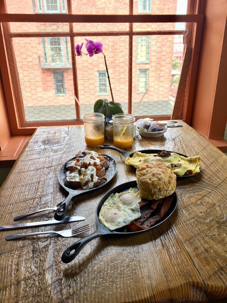 ivory-and-beau-blog-lets-talk-bridal-brunches-10-of-the-best-brunch-spots-in-savannah-weddings-bridal-boutique-two-cracked-eggs-brunch.jpg