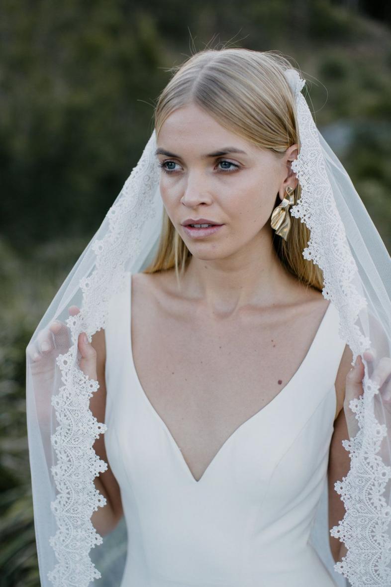 ivory-and-beau-blog-dresses-of-the-week-savannah-bridal-boutique-wedding-dresses-harper-close-up180813-025014-d2H4yS.jpg
