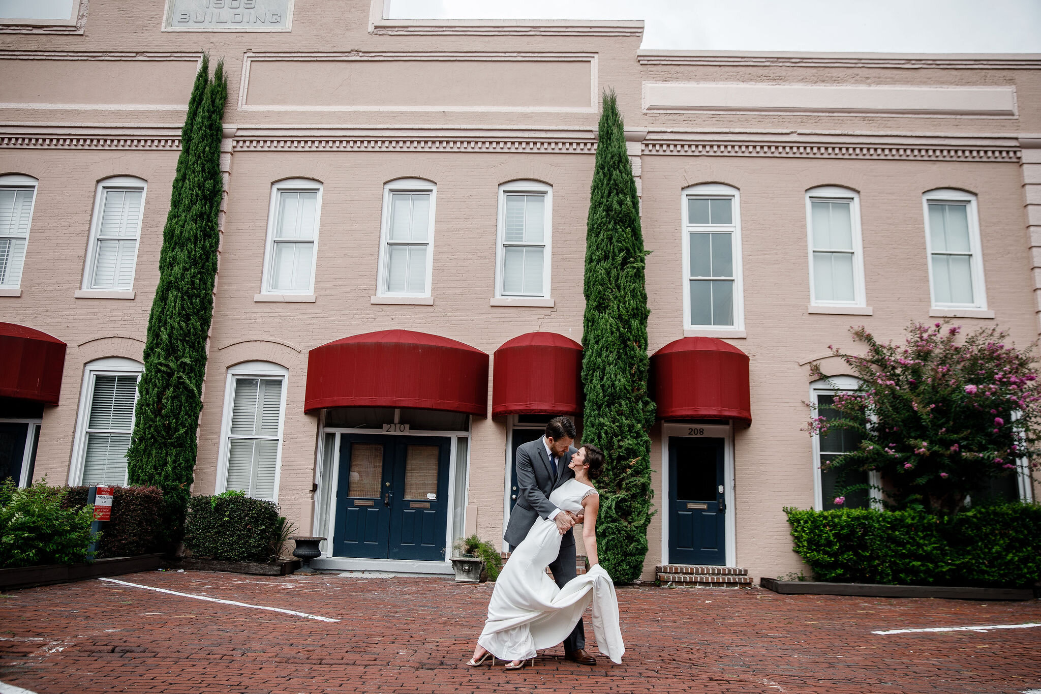 ivory-and-beau-blog-couple-and-florals-shannon-and-mike-wedding-savannah-wedding-planner-savannah-florist-savannah-wedding-southern-florist-southern-wedding-alida-hotel-198.jpg