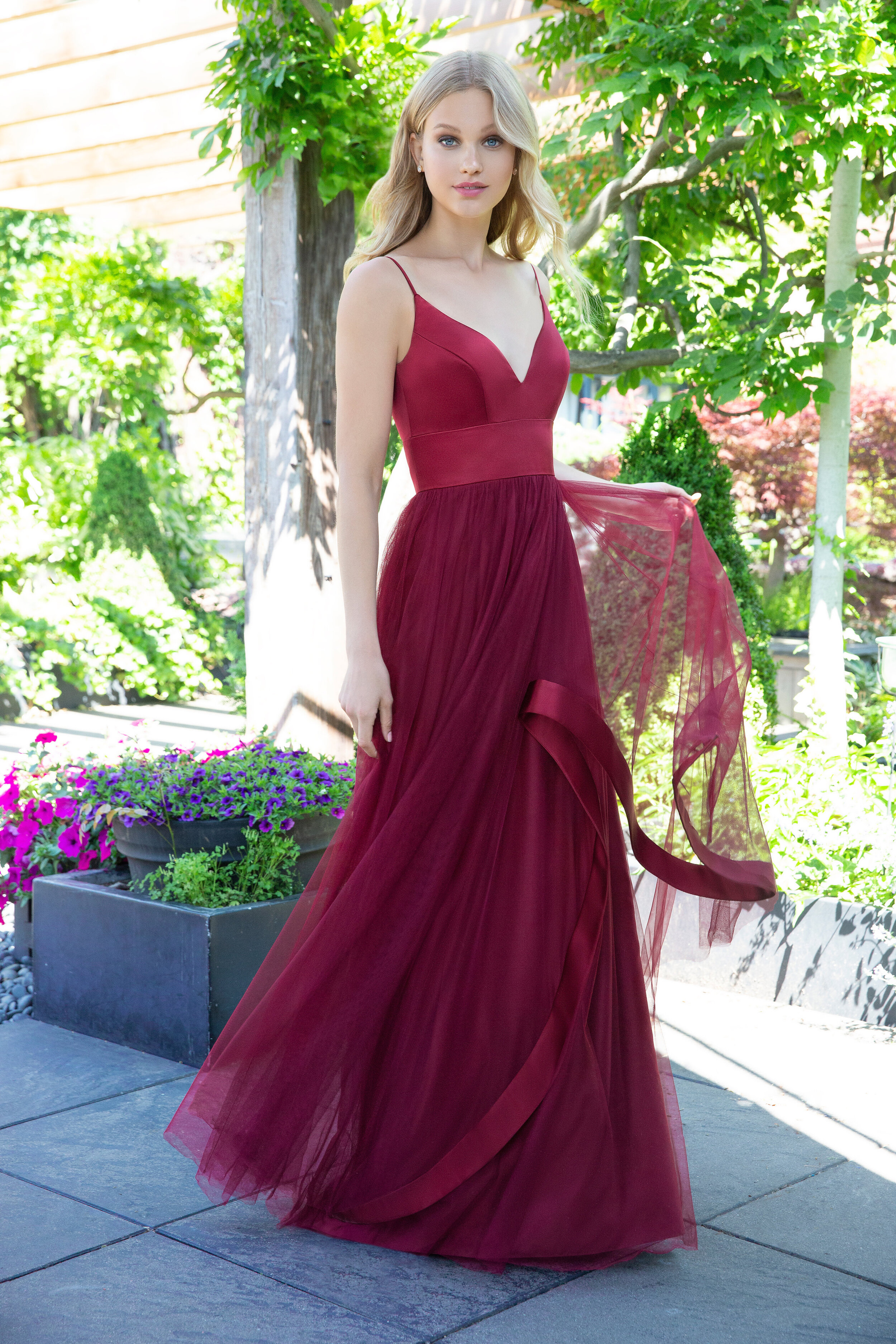 ivory-and-beau-blog-special-occasion-dresses-hayley-paige-occasions-bridesmaids-fall-2018-style-5856_3.jpg