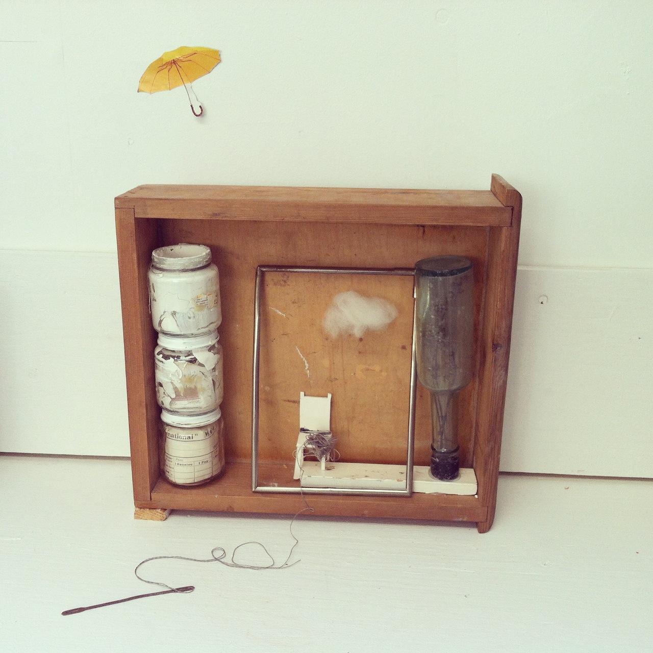 Hanne Mannheimer    Minne I (memory I)  Found objects, unfired clay, wood, 2018