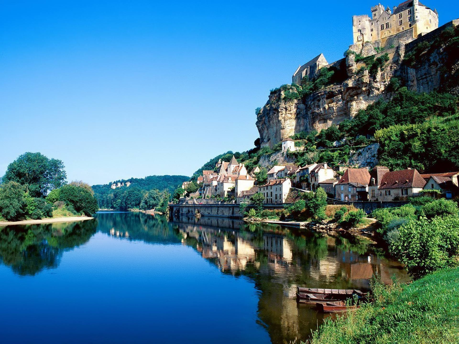ANDY SWANN VOYAGES                                 South of France Private Touring