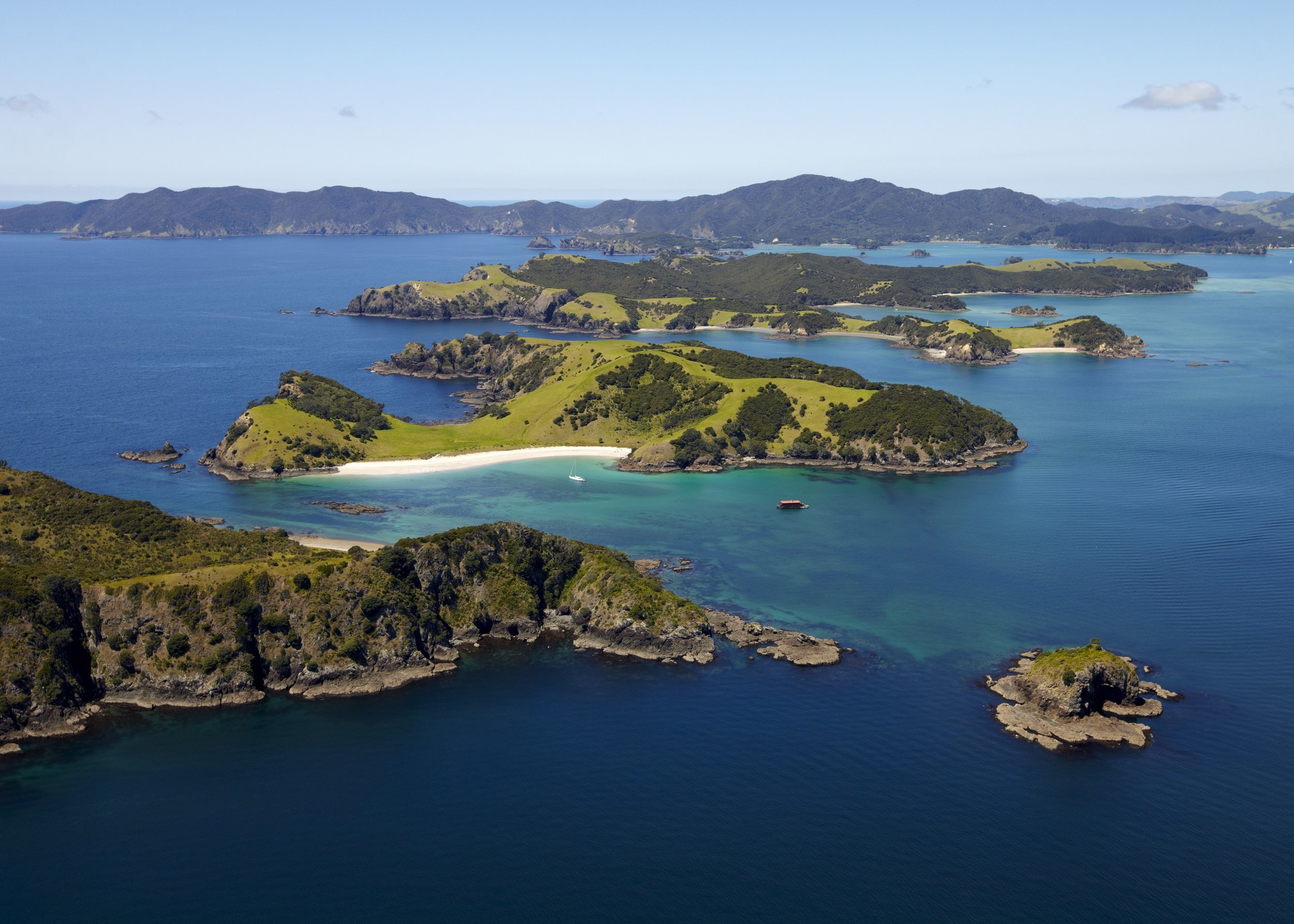 SOUTHERN CROSSINGS                               Custom Travel for Australia and New Zealand