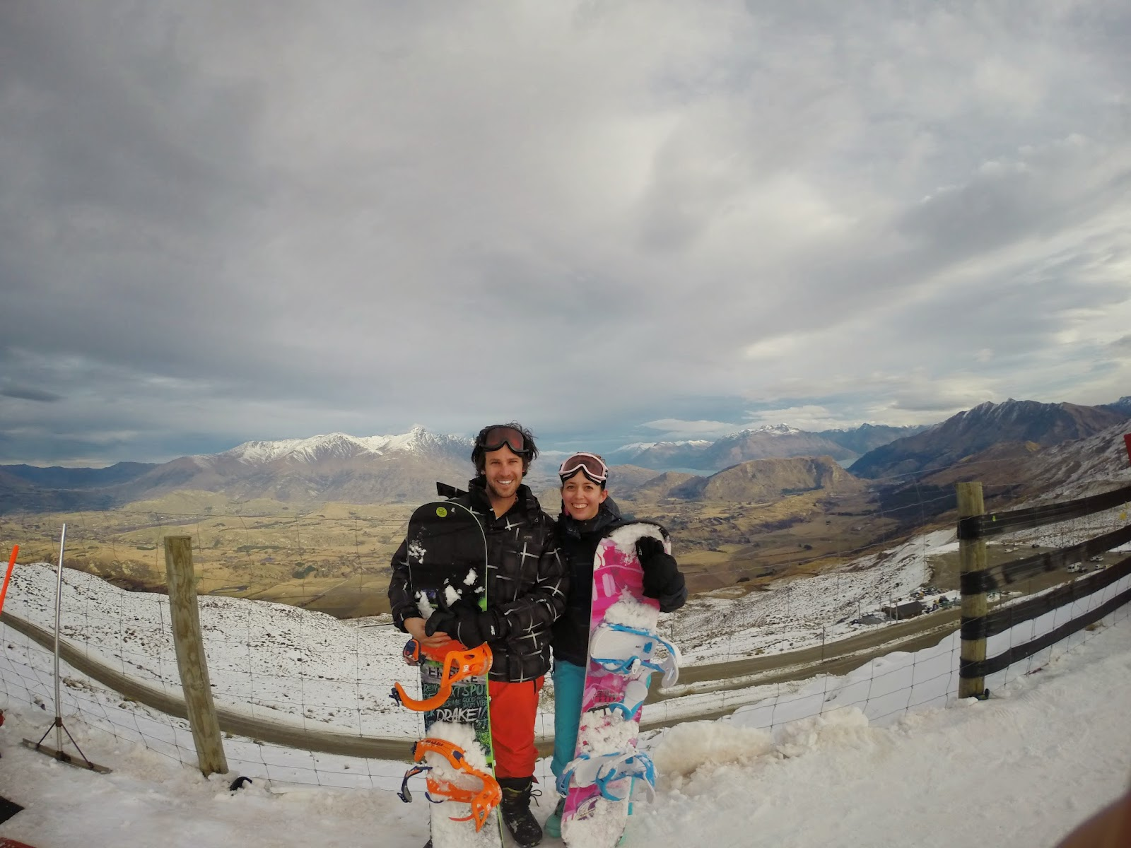 Coronet Peak snowboard session / fashion statement