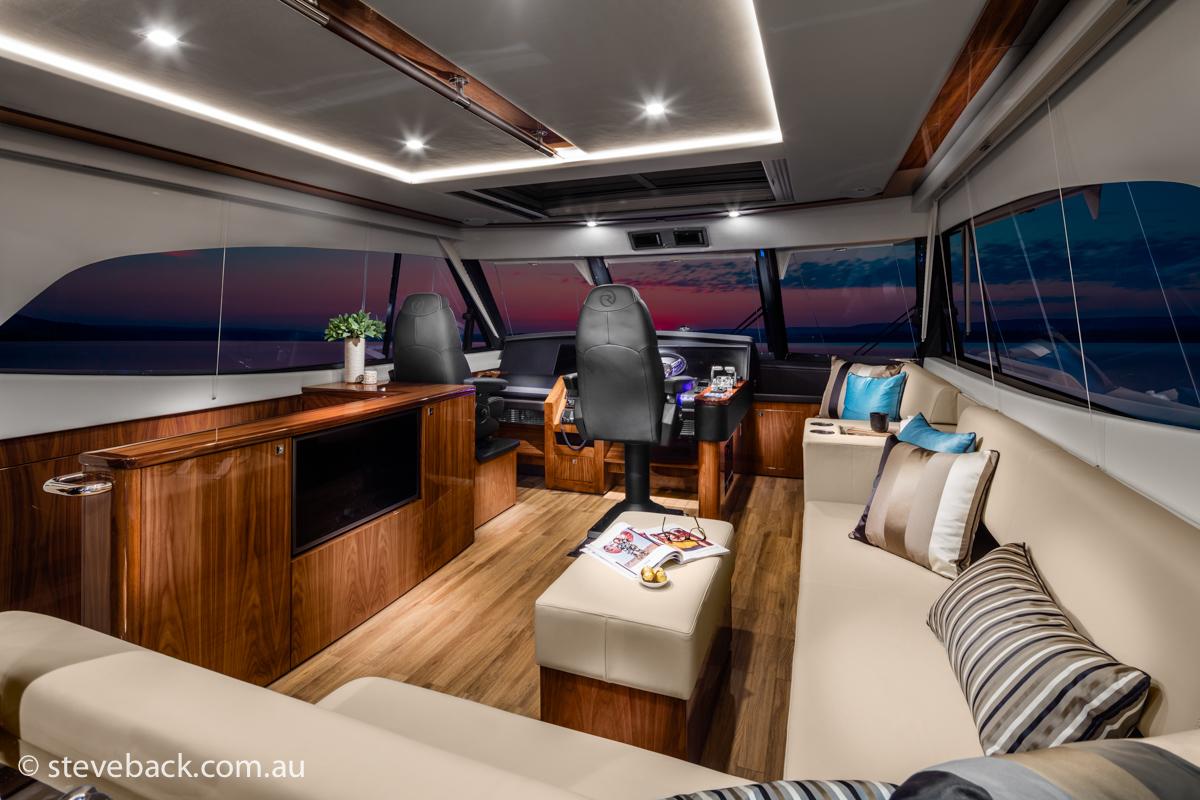 maritime photography Riviera sports motor yacht 01.jpg