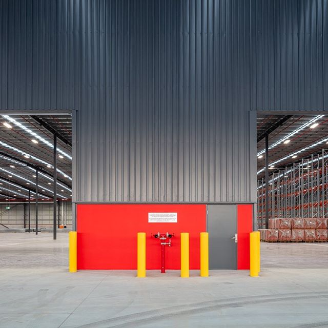 Pinnacle Hardware for Fraser Properties. #pinnaclehardware #frasersproperty #fraserspropertyaustralia #industrialphotography #industrialabstract  #berrinba  #shed #red #grey
