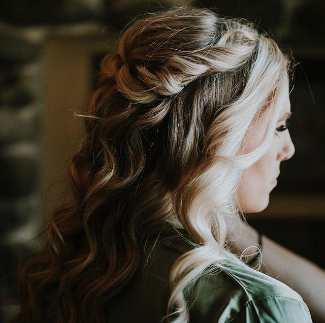 Bridal preparations ✨🌿 • • • • • • #LakeTahoewedding #laketahoeelopement #weddingwednesday #acenlace #acenlacefilms #bohowedding #bohemianwedding #Dronewedding #retro #telluride #Videography #Videographer #WeddingVideography #WeddingVideographer #film #filmlife #filmaking #co #cinematography #Vintage #liveauthentic #weddingphotographer  #vintage #vintagewedding #wedding  #durangowedding #destinationwedding #mountainwedding #love #weddingring