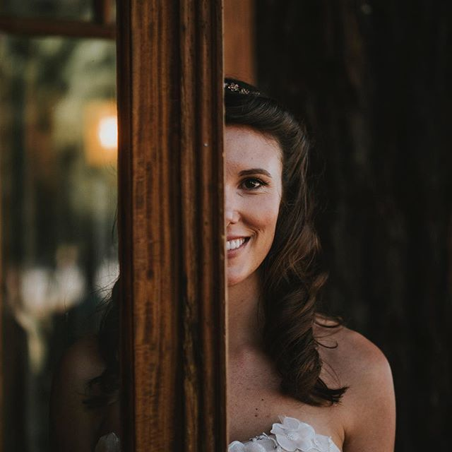 All smiles! • • • • • • #napawedding #weddingwednesday #adventurouswedding #acenlacefilms #bohowedding #bohemianwedding #Dronewedding #retro #laketahoe #Videography #Videographer #WeddingVideography #WeddingVideographer #film #filmlife #filmaking #ca #cinematography #Vintage #liveauthentic #weddingphotographer  #vintage #vintagewedding #wedding  #californiawedding #destinationwedding #mountainwedding #love #weddingring