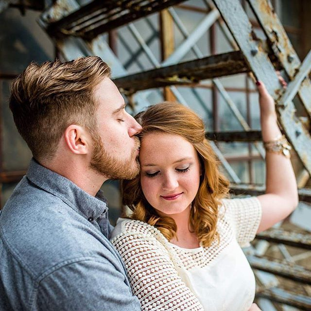 """But darling, just kiss me slow, your heart is all I own And in your eyes you're holding mine..."" -Ed Sheeran  #thesamanthalynnphotography #peoriaengagementphotographer #centralillinoisphotographer"