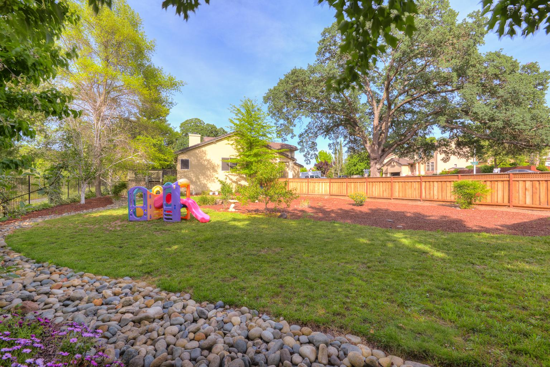 1352 Palmerston Loop_39.jpg