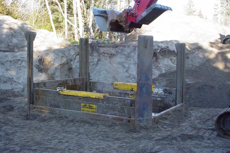 slide-rail-4-sided-pit-4.jpg