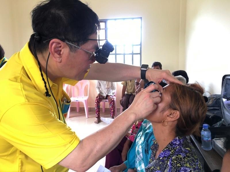 Eye screening for cataract surgery